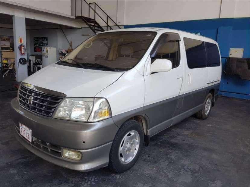 Toyota Grand Hiace 2000 TDI - 2
