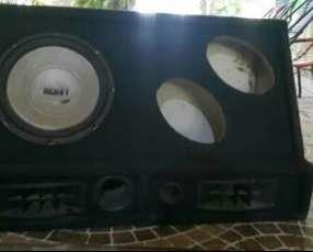Caja de sonido para auto