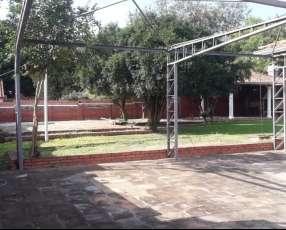 Casa 1.200 mts2 en Lambaré Barrio Kennedy