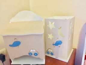 pañalera de madera  y porta productos para bebé