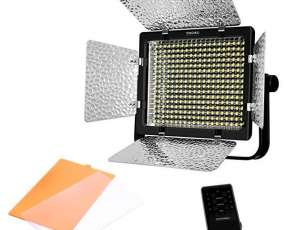 Iluminador LED Yongnuo YN320 con 320 LEDs de 3200-5500 K