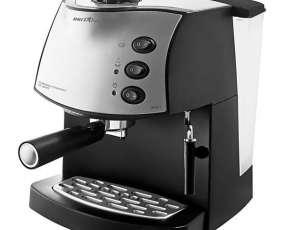 Cafetera Britania Expresso BRCE 2 850 watts con Vaporizador 220V~60Hz - Negra
