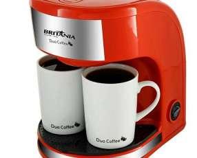 Cafetera Britania Duo Coffee VM 450 watts con 2 Xícaras de Cerâmica 220V~60Hz - Roja|Plateado