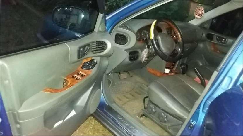 Hyundai santa Fe 2004 - 4