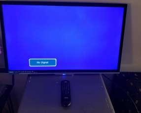 TV AOC de 32 pulgadas con control