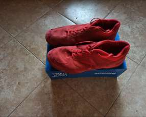 Champion kelme para futsal calce 45,UK10.