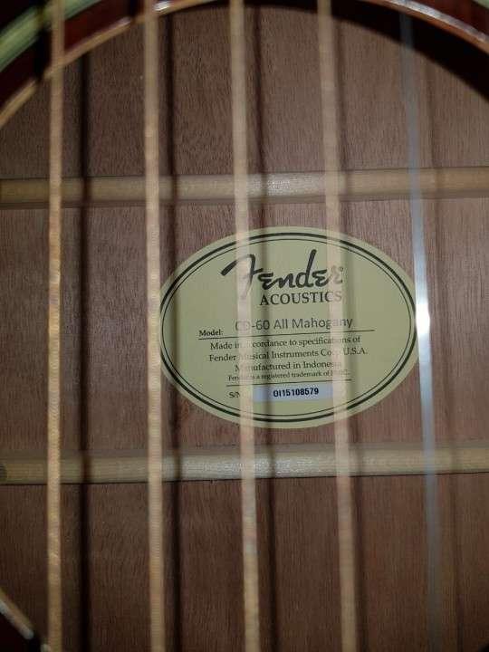 Guitarra acústica Fender CD60 y estuche rígido Fender - 2