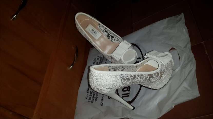 Zapato blanco calce 37 - 0