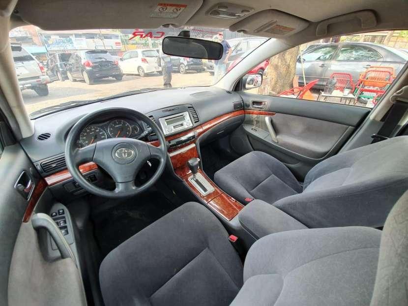 Toyota premio 2005 - 8
