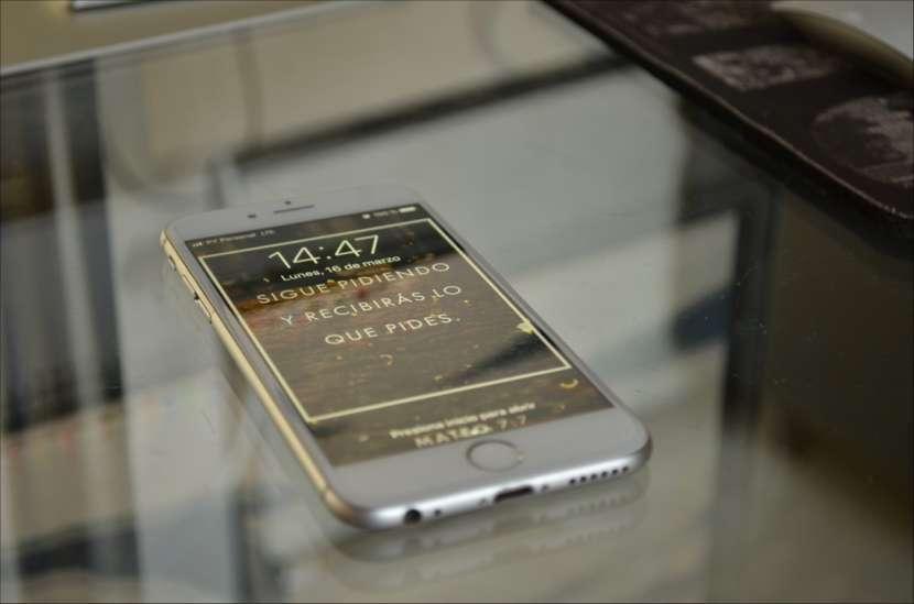 iPhone 6S de 32 gb silver - 0