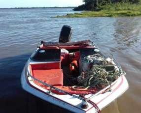 Embarcación casco de fibra motor de 100hp