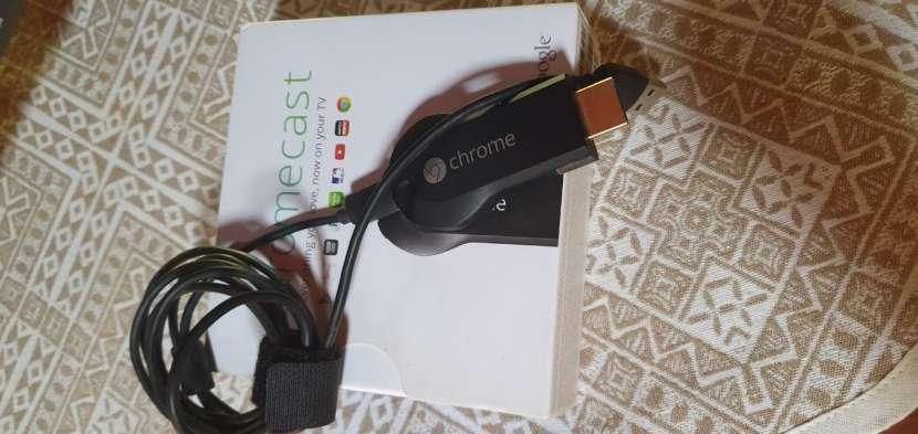TV 32 pulgadas LG + Chrome Cast - 1