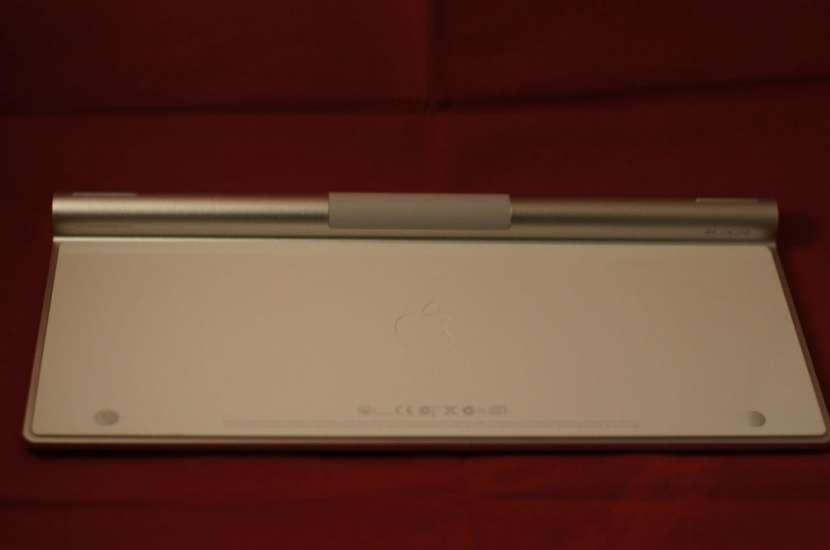 Teclado Apple bluetooth wireless (A1314) seminuevo - 2