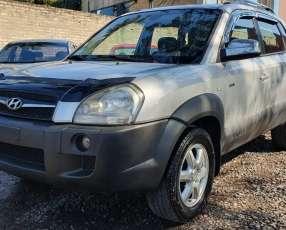 Hyundai tucson 2005 plata