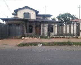 Casa en la ciudad de m.r.a zona hiper el pueblo