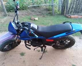 Moto kenton bull 200 cc