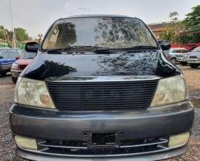 Toyota gran via 2000