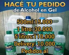 Alcohol en gel y tapabocas