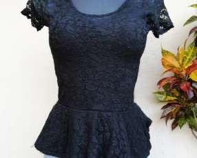 Blusa negra elegante
