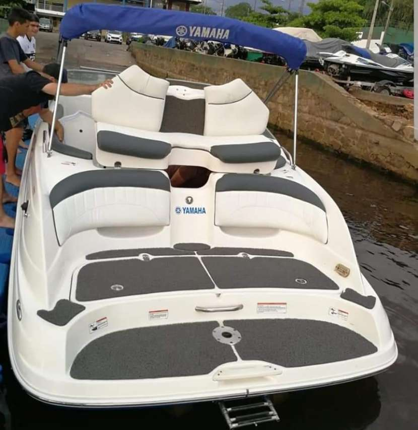 Embarcacion yamaha - 9