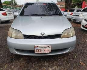 Toyota platz 2000