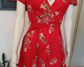 Vestido floreado rojo
