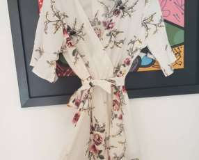 Monito, Jumpsuit blanco floreado, con manga