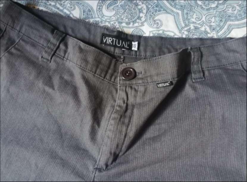 Pantalon gris virtual - 2