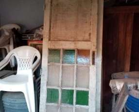 Puerta de madera antigüa
