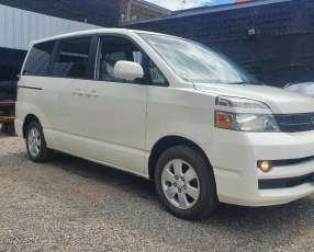 Toyota noah voxy 2005 aut. Full equipo-