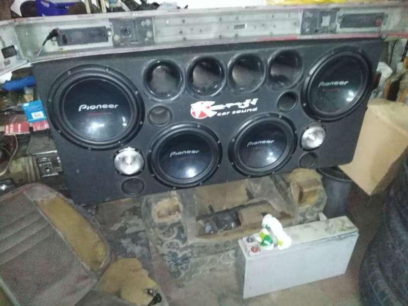 Caja acustica para camioneta - 0