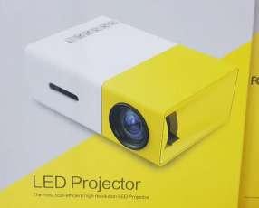 Mini proyector led de 24 a 60 pulgadas con control.