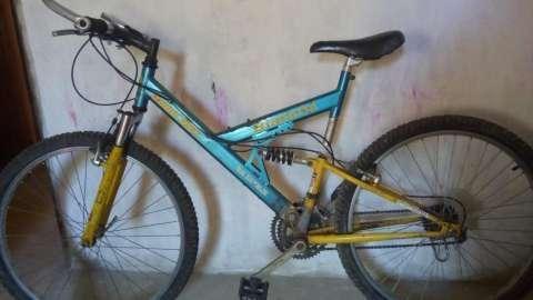 Bicicleta Bianchi aro 17 - 1