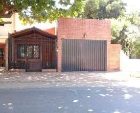 Chalet en villa aurelia, asuncion. E2276.