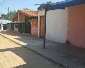 Pieza con patio y baño independiente