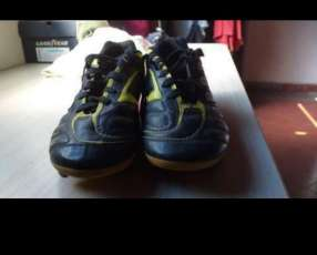 Botin Adidas TRX FG calce 37 y medio