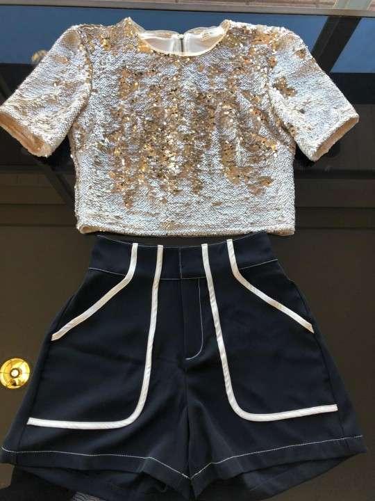 Blusa Morena Rosa escote redondo parte dorado talla M - 0