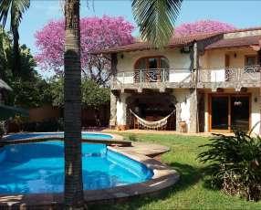 Residencia 3 plantas zona Norte Fernando de la Mora