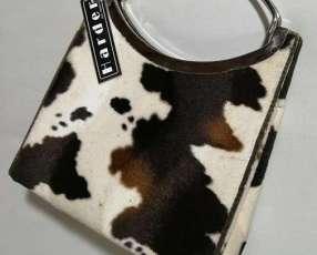 Cartera tipo cuero de vaca