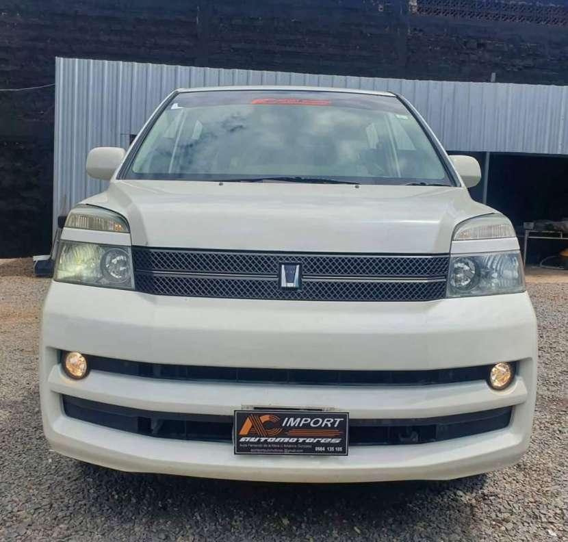 Toyota noah voxy 2005 - 1
