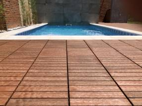 Piso deck de madera para piscinas