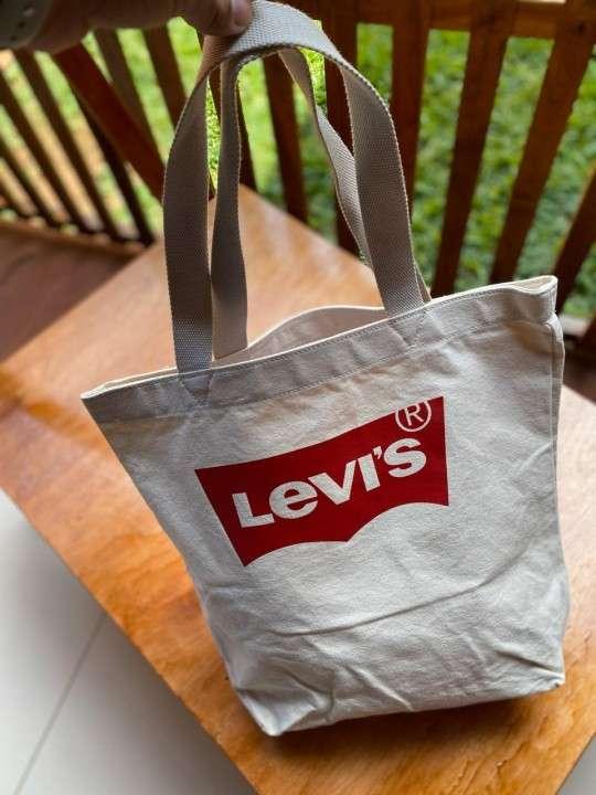 Bolsón cartera Levis original con etiqueta - 3