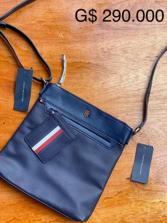 Bolsón cartera Tommy varios modelos original con etiqueta - 1