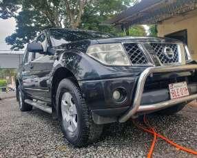 Nissan navara 2005/6caja mecanica 4x4 - full equipo