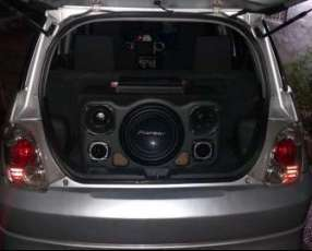 Toyota Ist 2002 color Plata Tipo Tuning