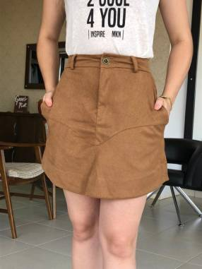 Falda corta gamuza marrón claro Moikana talla PP
