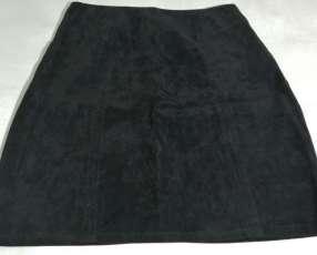 Pollera pana negra talla S