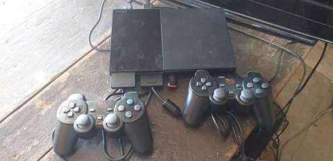 PlayStation 2 con pendrive 16 gb y 20 juegos incluidos - 0