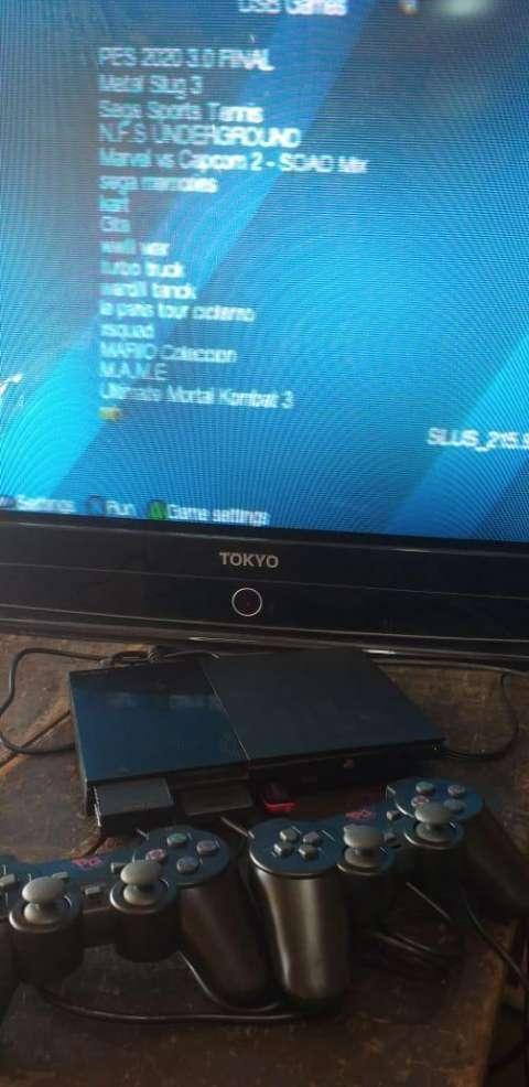 PlayStation 2 con pendrive 16 gb y 20 juegos incluidos - 1