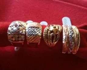 Variedad de anillos para dama en oro italiano